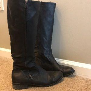 Women's black boots from ALDO size 8.